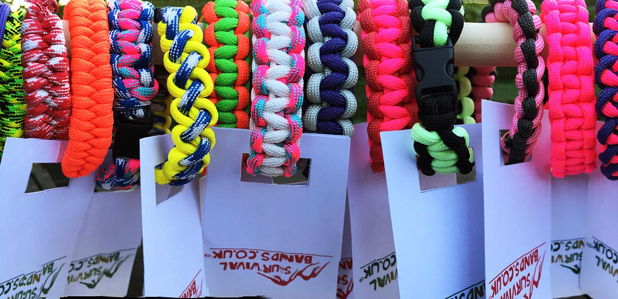 Paracord designs by www.survivalbands.co.uk